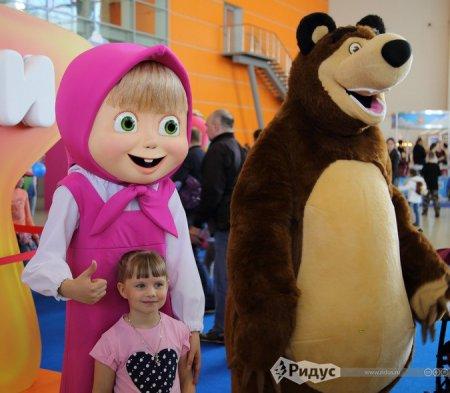 Герои российских и зарубежных мультфильмов собрались вместе в Москве