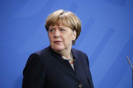 «Проваливай!» Жители Саксонии встретили Меркель оскорблениями