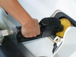 В Новосибирске прошел массовый пикет против роста цен на бензин