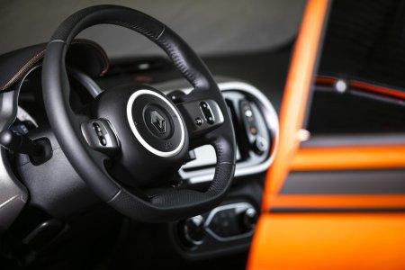 Renault выпустит в России кросс-версию седана Logan