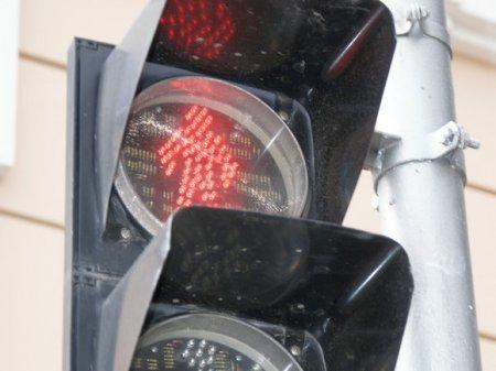 Петербуржцы пожаловались на «медленный» светофор (фото)