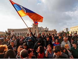 В Армении после революционной эйфории нарастает разочарование