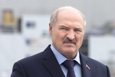 Лукашенко: Кто посмеет уничтожить Беларусь – будут прокляты