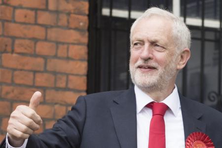 Лидер оппозиции Великобритании выступил против экстрадиции Ассанжа в США