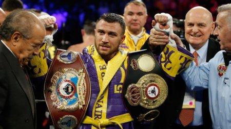 Украинец нокаутировал британца в бою за два чемпионских пояса