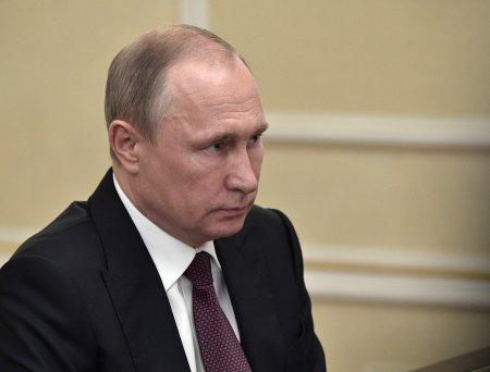 Путин заявил о необходимости стимулировать приток кадров в космическую отрасль
