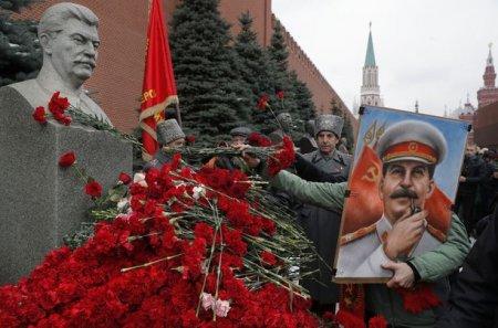 Статистика : Рейтинг Сталина вдвое выше рейтинга Путина