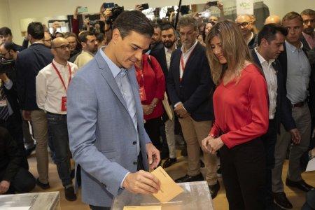 В Испании проходят выборы двухпалатного парламента