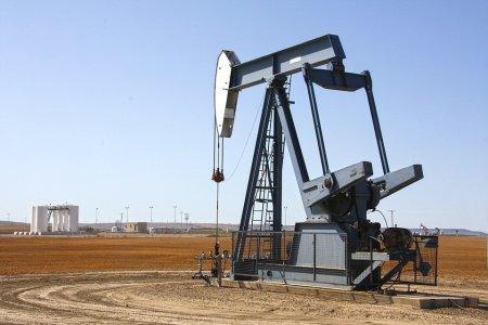 Котировки нефти марки Brent упали ниже $72 за баррель