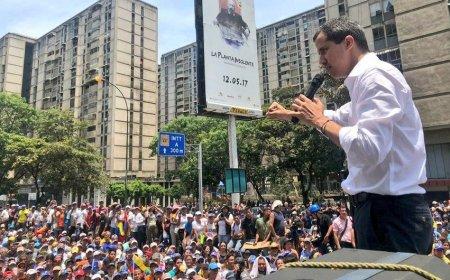 Гуайдо не исключил иностранного военного вмешательства для свержения Мадуро
