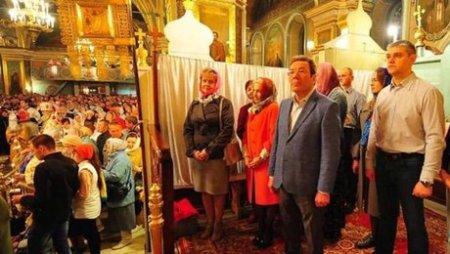 Фото дня: в Сызрани чиновники устроили себе ВИП-Пасху