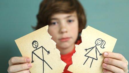 """""""Родительский запил"""". Как сохранить ребёнка здоровым при ссорах и разводах"""