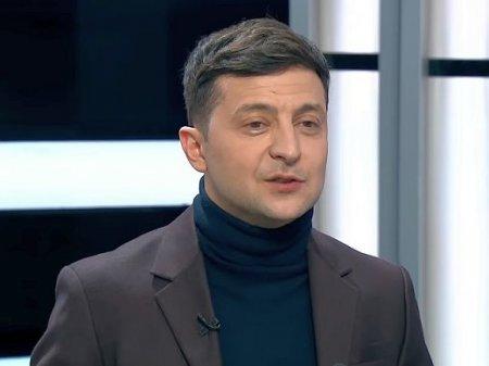 Зеленский опубликовал фотографию со связной УПА и советским морпехом