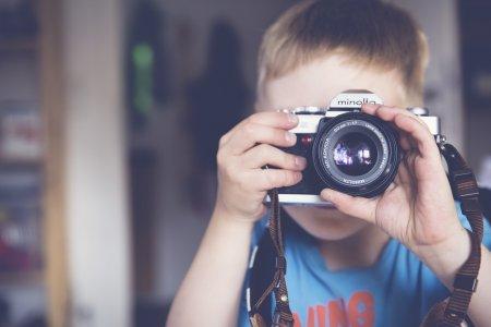 Роскомнадзор призвал родителей не публиковать снимки детей в интернете