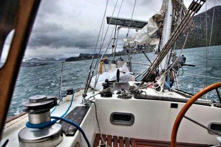 Яхта с россиянкой потерпела бедствие у берегов Японии