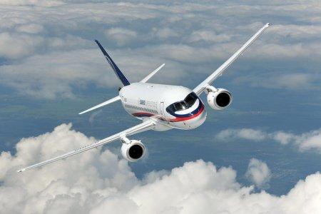 Мантуров заявил, что смотрит с оптимизмом в будущее SSJ-100