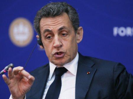 Экс-президент Франции Николя Саркози совершил пробежку по Михайловскому саду (видео)