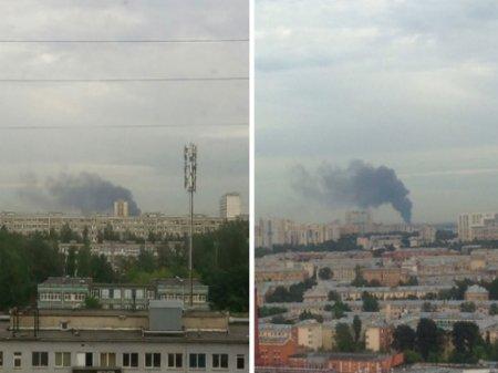 Петербуржцы сообщают о столбе дыма в районе Металлостроя (фото)