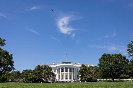 Мужчину задержали при попытке перелезть через ограду Белого дома
