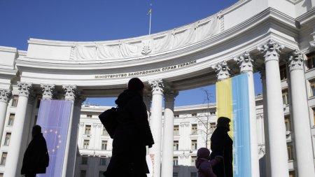 """Киев пригрозил Москве """"новой волной давления"""" после 25 июня"""