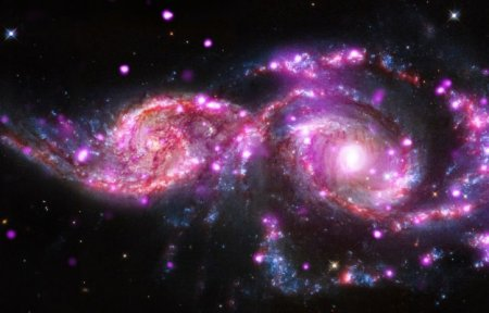 Ученые впервые стали свидетелями слияния гигантских скоплений галактик