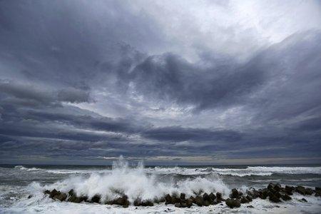 В Японии из-за тайфуна эвакуируют 115 тысяч жителей