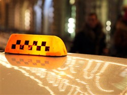 Пьяные школьники убили таксиста, прыгая у него на голове