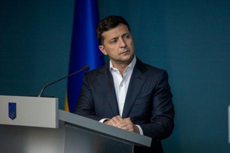 Украинцы попросили Зеленского возобновить авиасообщение с Россией