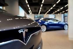 На МКАД загорелся автомобиль Tesla