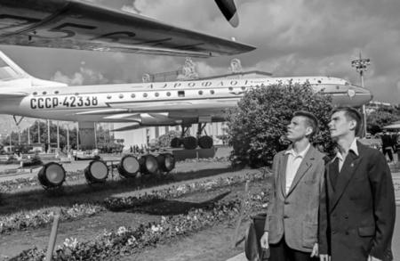 В честь 80-летия ВДНХ опубликовано более 250 исторических фотографий