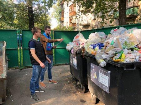Активисты проекта «Чистая страна» провели рейд по контейнерным площадкам