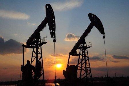 Bloomberg: санкции США спровоцировали спрос на российскую нефть