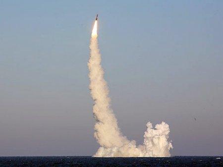 В России испытали две баллистические ракеты (видео)