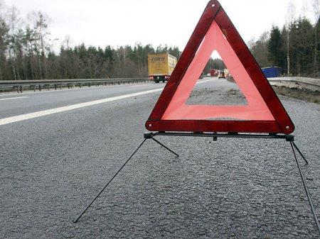 Под Петербургом водитель иномарки при обгоне протаранил две машины, лишив жизни человека