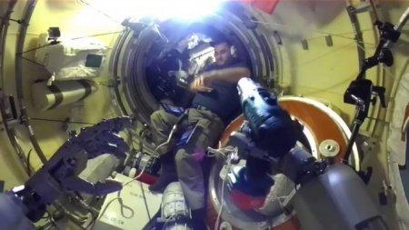 """Робота Федора перенесли на корабль """"Союз МС-14"""", на котором он должен вернуться на Землю"""