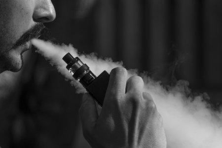 Число смертей от курения вейпов в США снова выросло