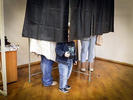 Явка на выборы в Петербурге остается низкой