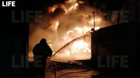 Два человека пострадали при пожаре на складе в Нижегородской области