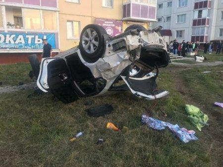В Ангарске на тротуаре водитель Subaru устроил ДТП с тремя жертвами