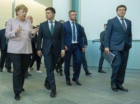 СМИ Германии рассказали об оскорблении, нанесенном Меркель Зеленским