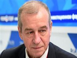 Российский губернатор объяснил повышение своего оклада заботой о бюджетниках