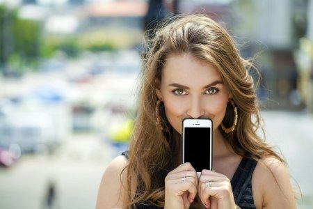 Женщины чаще мужчин предпочитают брать кредиты на покупку смартфона