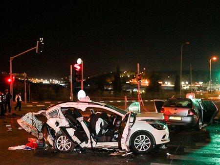 Израиль: не менее 5 человек погибли в ДТП за воскресенье