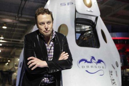 «Грузовик» SpaceX Dragon доставил на МКС оборудование и материалы для экспериментов