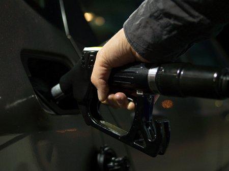 Рост цен на бензин зафиксирован в 11 российских регионах
