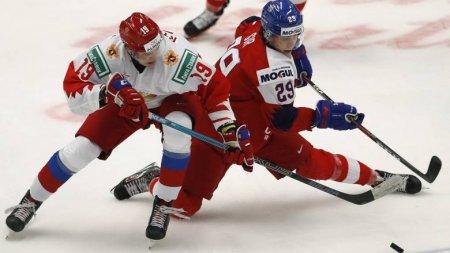 Российские хоккеисты стартовали с поражения на молодежном ЧМ