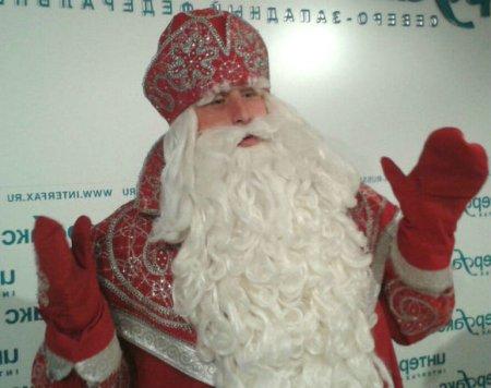 В Волжском гости городского праздника напали на Деда Мороза (видео)