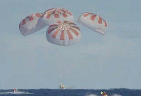 SpaceX успешно испытала систему аварийного спасения корабля Crew Dragon