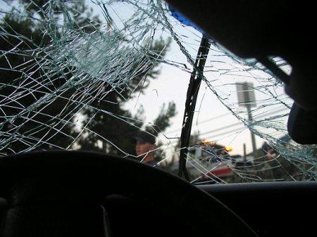 Автомобиль Audi врезался в столб в «новой Москве»