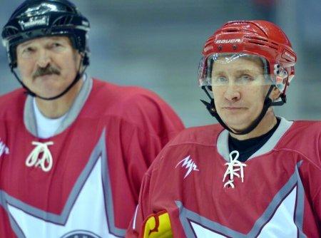 За одну команду? Путин и Лукашенко предпочли спорам о нефти игру в хоккей